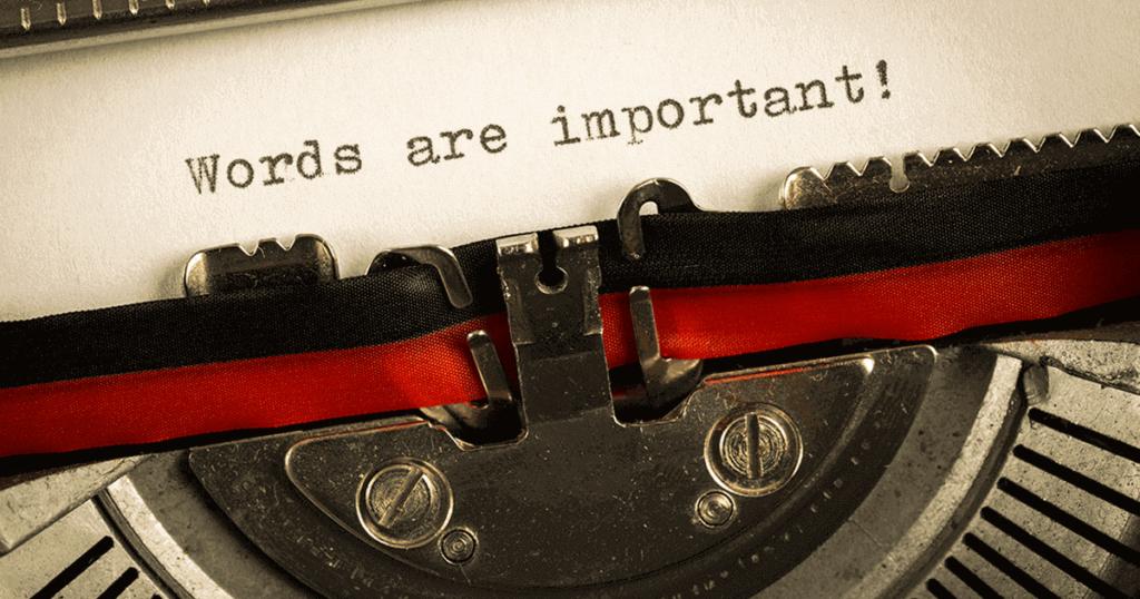Máquina de escribir con mensaje escrito words are important