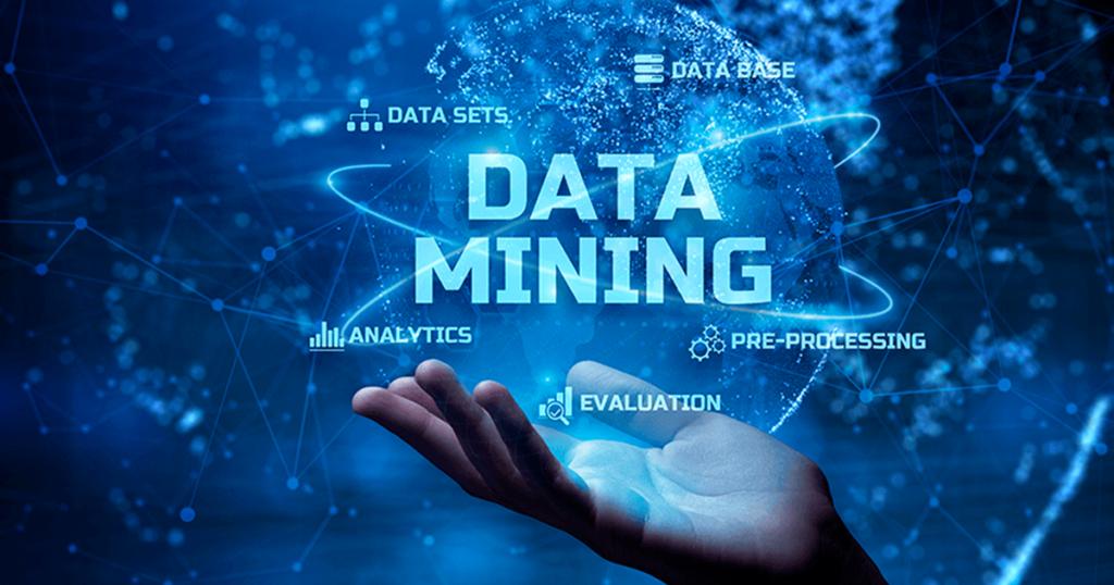 mano con holograma y palabra data mining